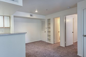 Living at Listing #139318