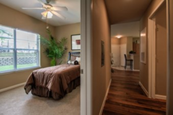 Bedroom at Listing #144577