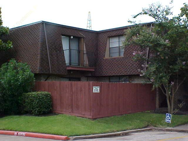 Exterior 5 at Listing #138408