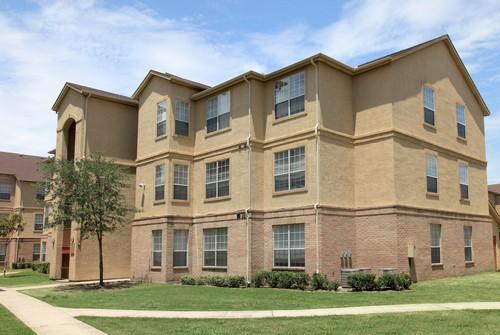 Clearwood Villas Apartments Houston TX