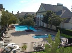 Renaissance Parc Apartments Dallas TX