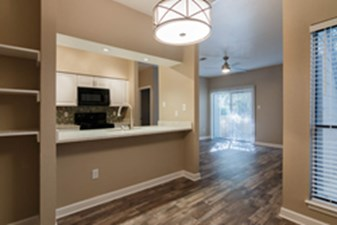 Dining/Kitchen at Listing #140560