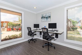 Business Center at Listing #139008