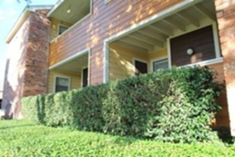 Exterior at Listing #136734