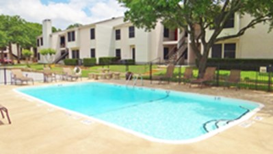 Pool at Listing #136890