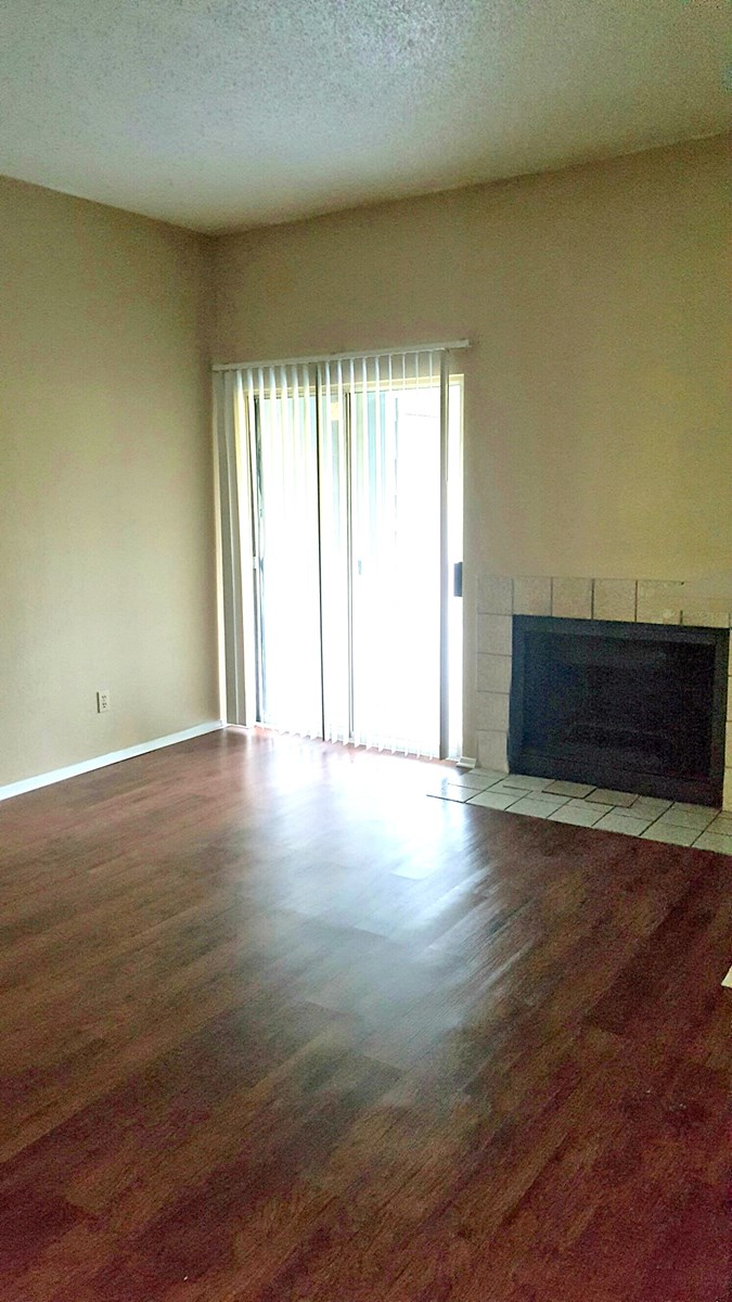 Living at Listing #140550