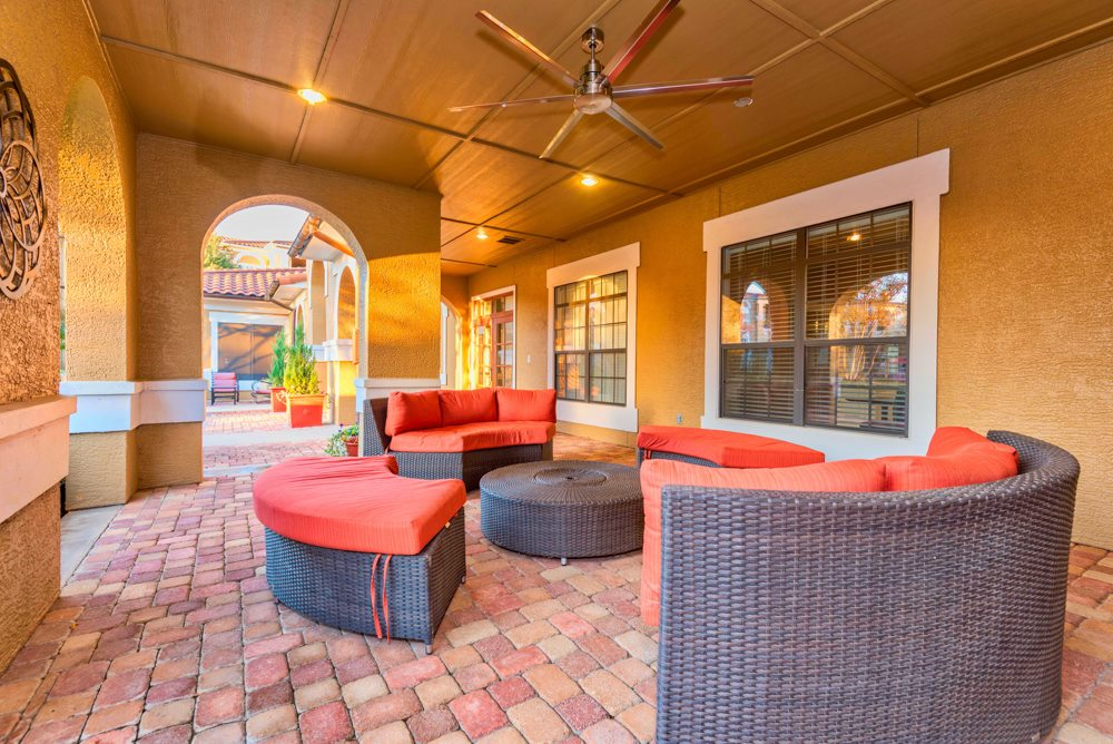 Lounge at Listing #138225