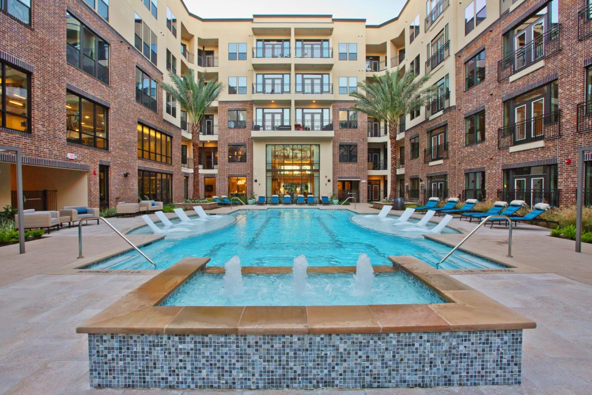 Pool at Listing #277743