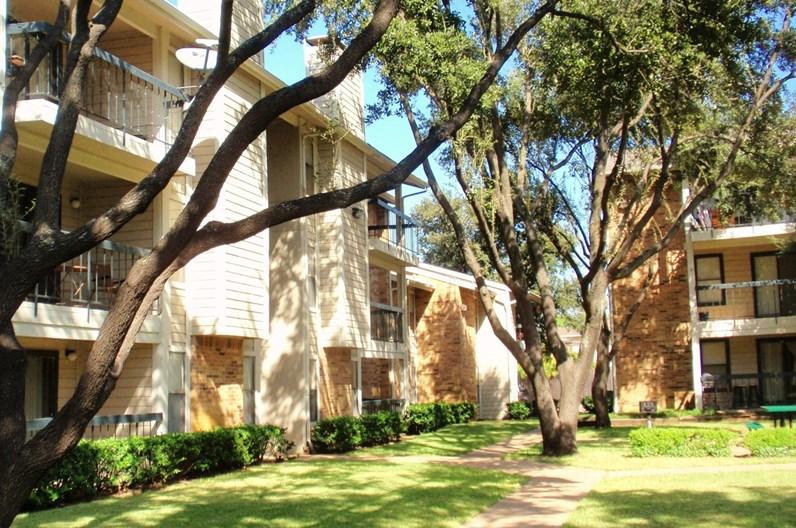 Bachman Oaks Apartments