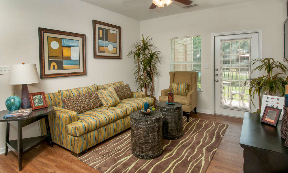Living Room at Listing #144441