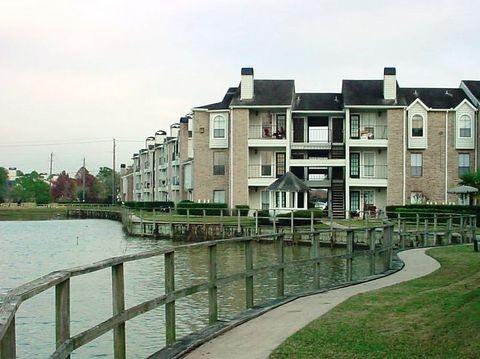 Point at Windmill Lakes Apartments Houston TX