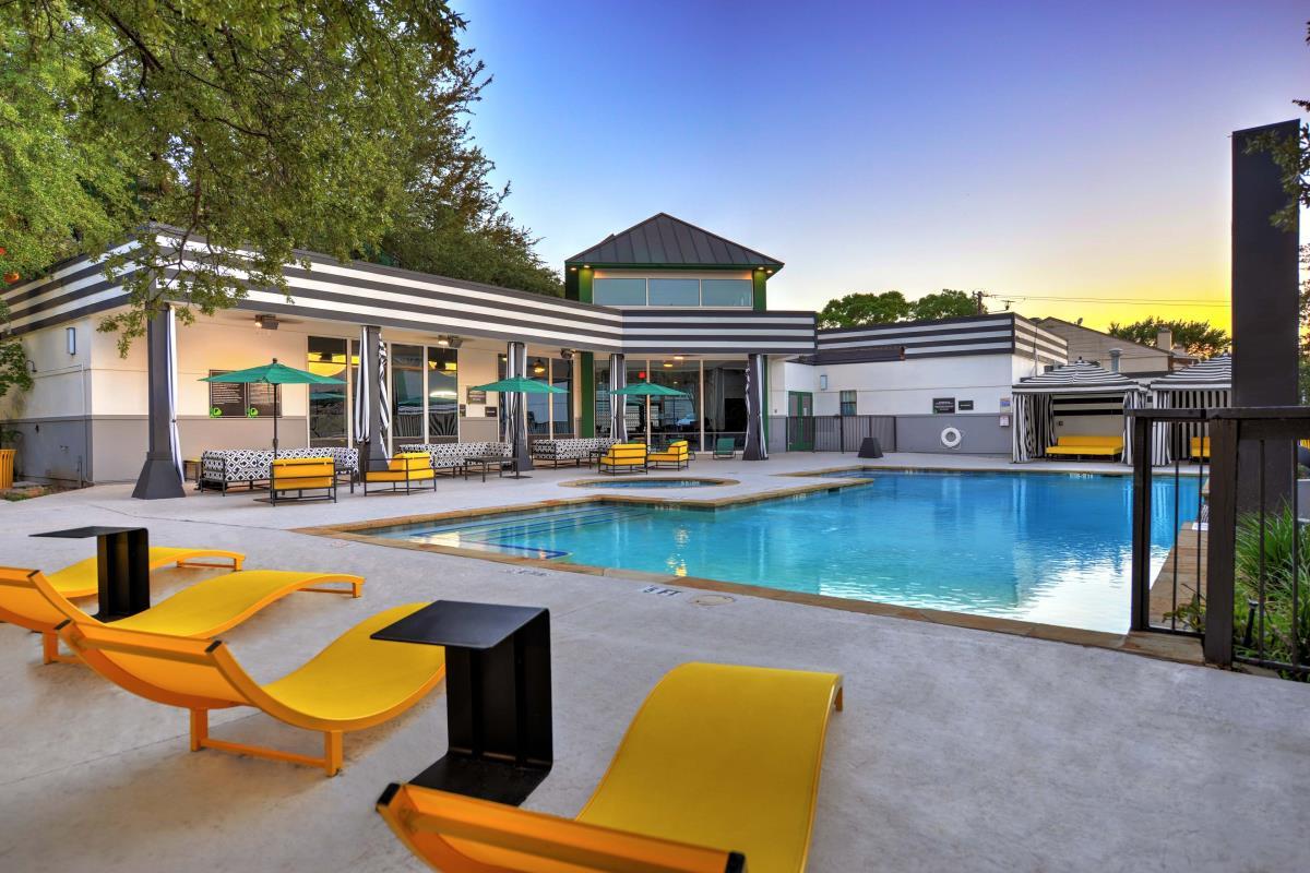 Pool at Listing #136226