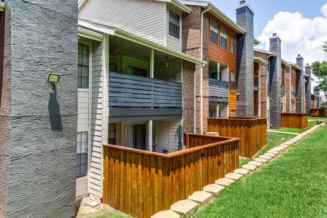 Hudson Apartments Arlington TX