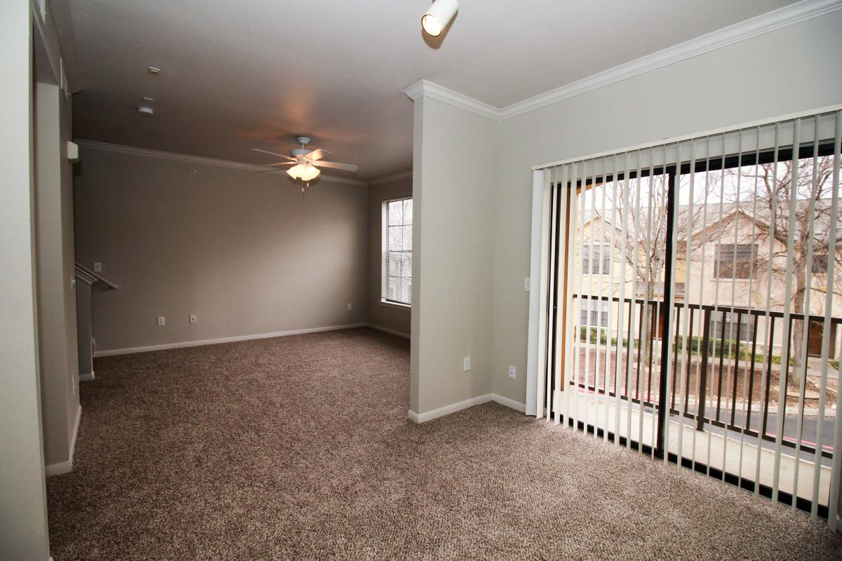 Living/Dining at Listing #141428