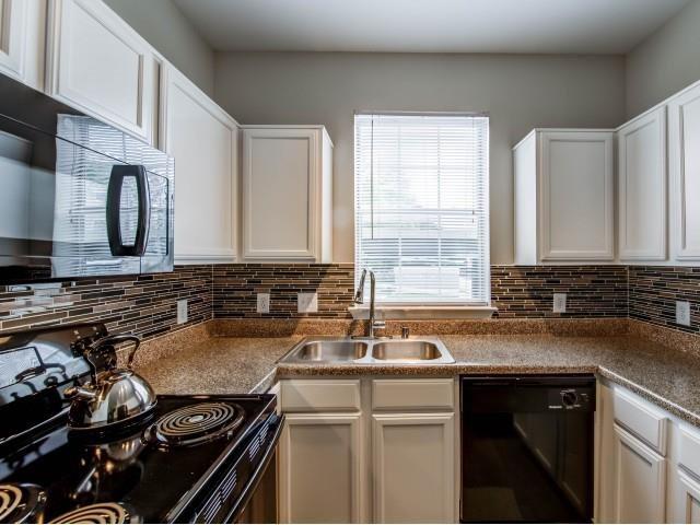 Kitchen at Listing #137594