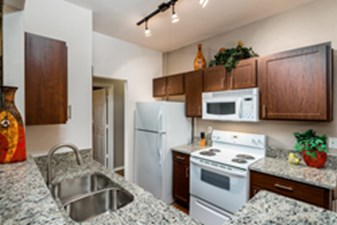 Kitchen at Listing #137621