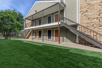 Exterior at Listing #137015