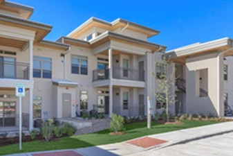 Exterior at Listing #281894