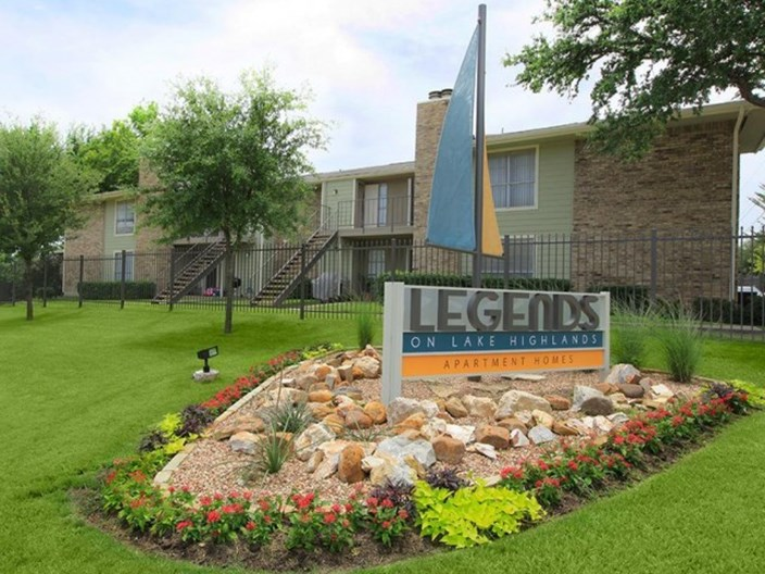 Legends on Lake Highlands Apartments