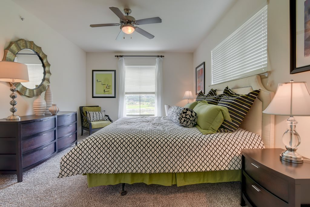 Bedroom at Listing #146189