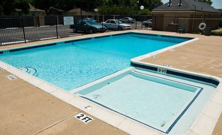 Pool at Listing #137385