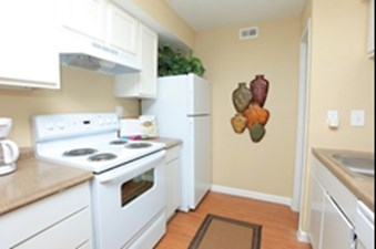 Kitchen at Listing #139950