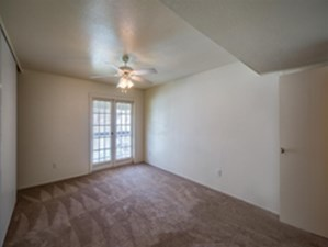 Bedroom at Listing #139446