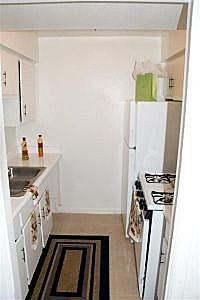 Kitchen at Listing #139296