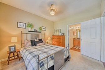 Bedroom at Listing #141469