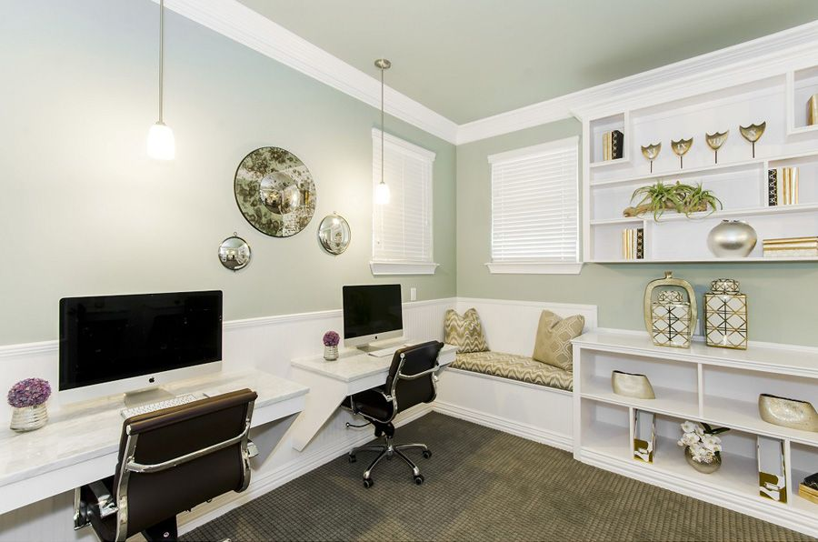Business Center at Listing #276108
