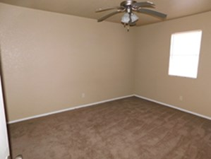 Bedroom at Listing #212336