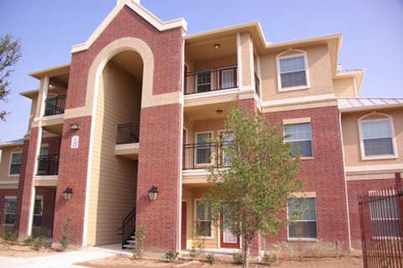 Woodlawn Ranch Apartments