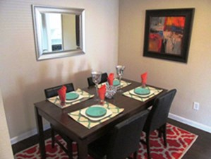 Dining at Listing #140061