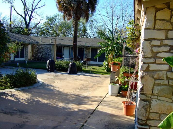 Raphael Apartments Austin TX