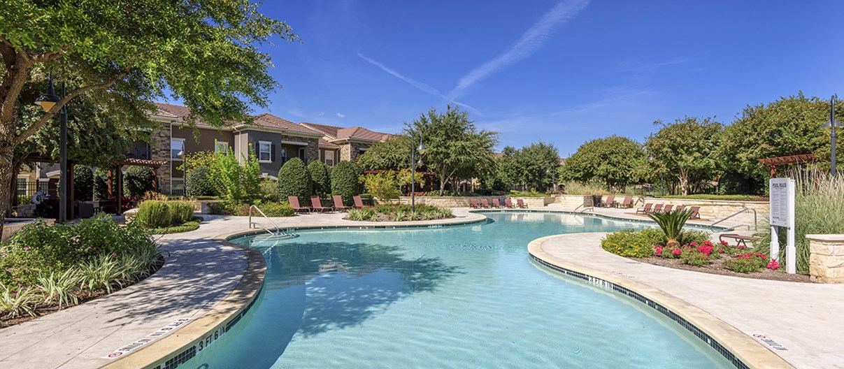 Colonial Grand at Round Rock Apartments