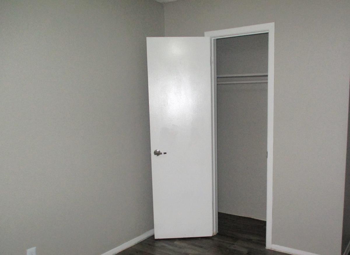 Closet at Listing #137332