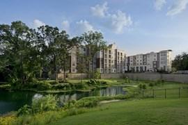 Vargos on the Lake Apartments Houston TX