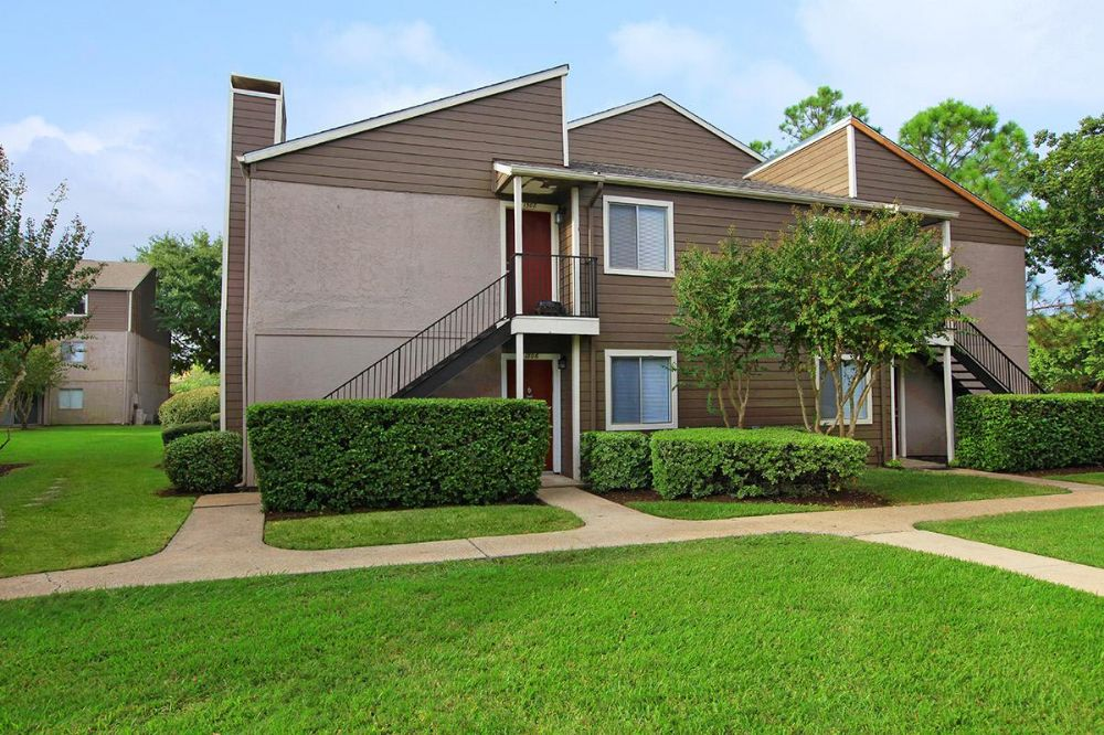 Exterior at Listing #138244