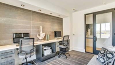 Business Center at Listing #289980