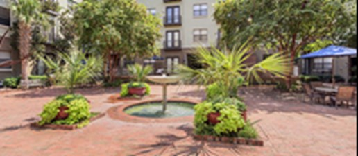 Courtyard at Listing #137825
