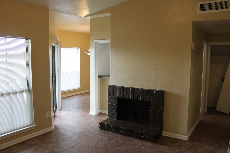 Living at Listing #139927