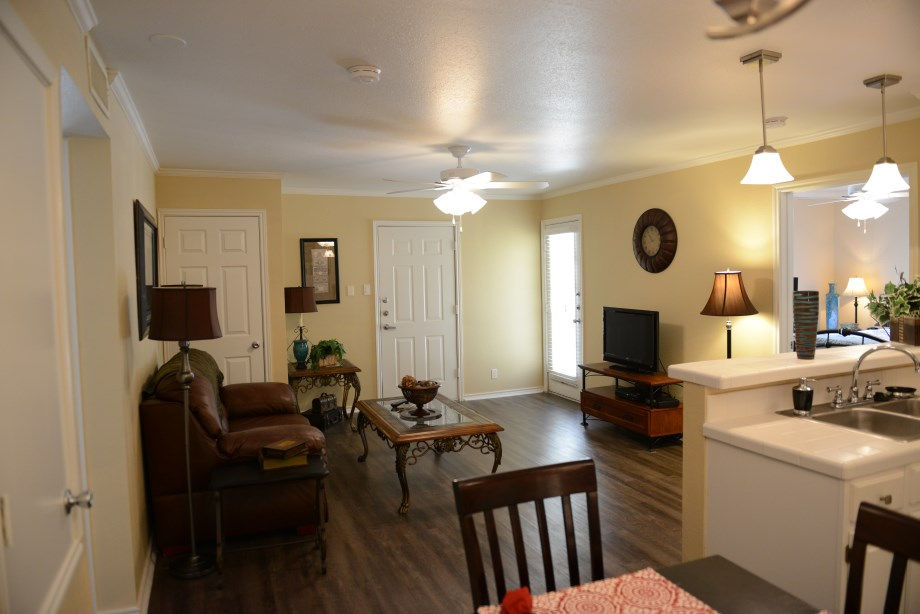 Living at Listing #141435