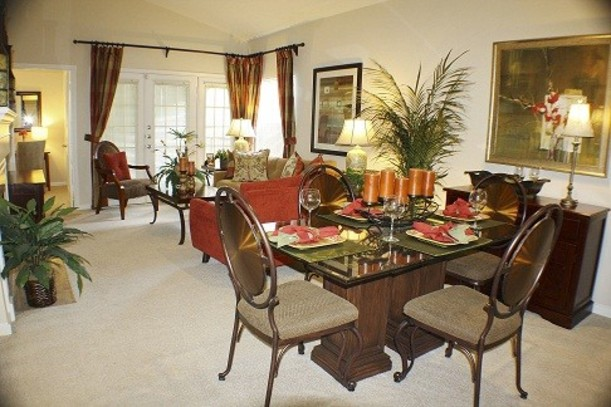 Dining at Listing #138839