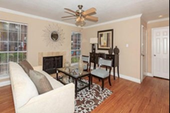 Living Room at Listing #139731