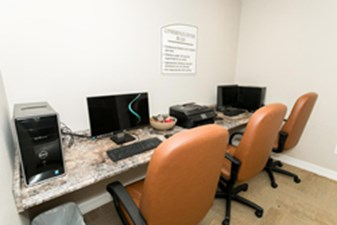 Business Center at Listing #138449