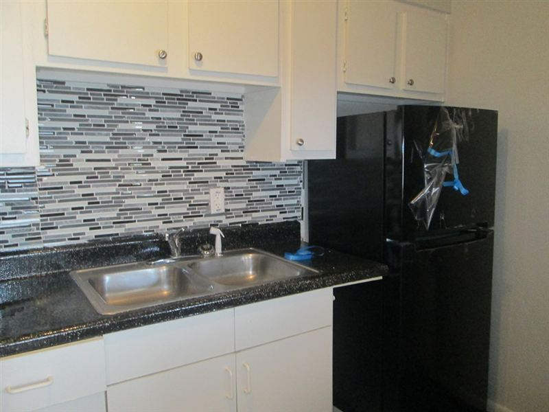 Kitchen at Listing #253974