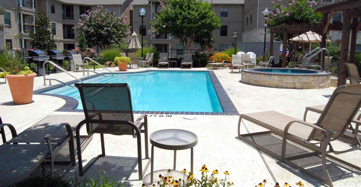 Pool at Listing #144584