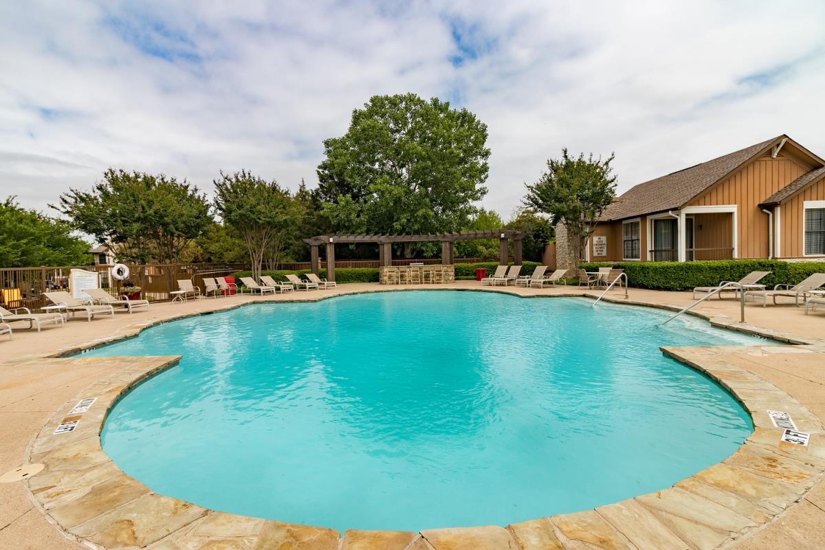 Pool at Listing #137898