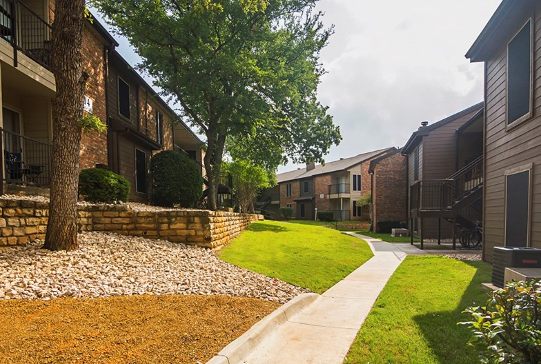 Oaks of Denton Apartments