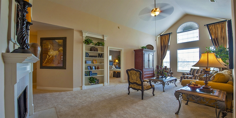Living at Listing #144641